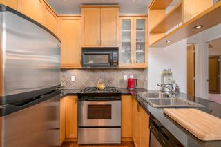 """Photo 11: 218 2515 ONTARIO Street in Vancouver: Mount Pleasant VW Condo for sale in """"ELEMENTS"""" (Vancouver West)  : MLS®# R2200404"""
