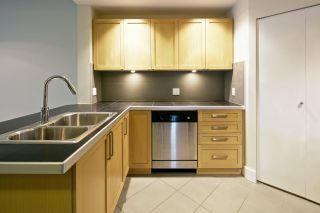 """Photo 8: 325 5777 BIRNEY Avenue in Vancouver: University VW Condo for sale in """"PATHWAYS"""" (Vancouver West)  : MLS®# R2055774"""