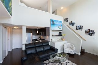 """Photo 13: PH10 1288 CHESTERFIELD Avenue in North Vancouver: Central Lonsdale Condo for sale in """"Alina"""" : MLS®# R2479203"""