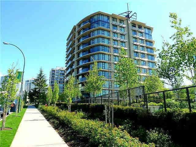 "Main Photo: 407 683 W VICTORIA Park in North Vancouver: Lower Lonsdale Condo for sale in ""Mira on the Park"" : MLS®# R2400828"