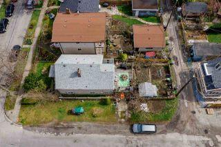 "Photo 3: 2504 NAPIER Street in Vancouver: Renfrew VE House for sale in ""RENFREW"" (Vancouver East)  : MLS®# R2449289"
