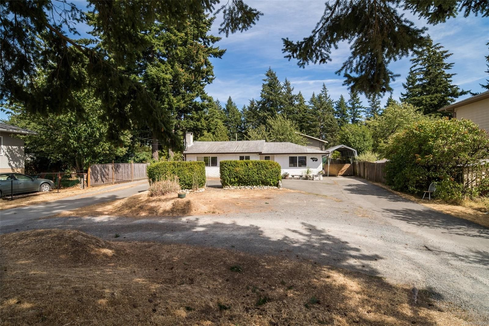 Main Photo: 2957 Pickford Rd in : Co Hatley Park House for sale (Colwood)  : MLS®# 884256