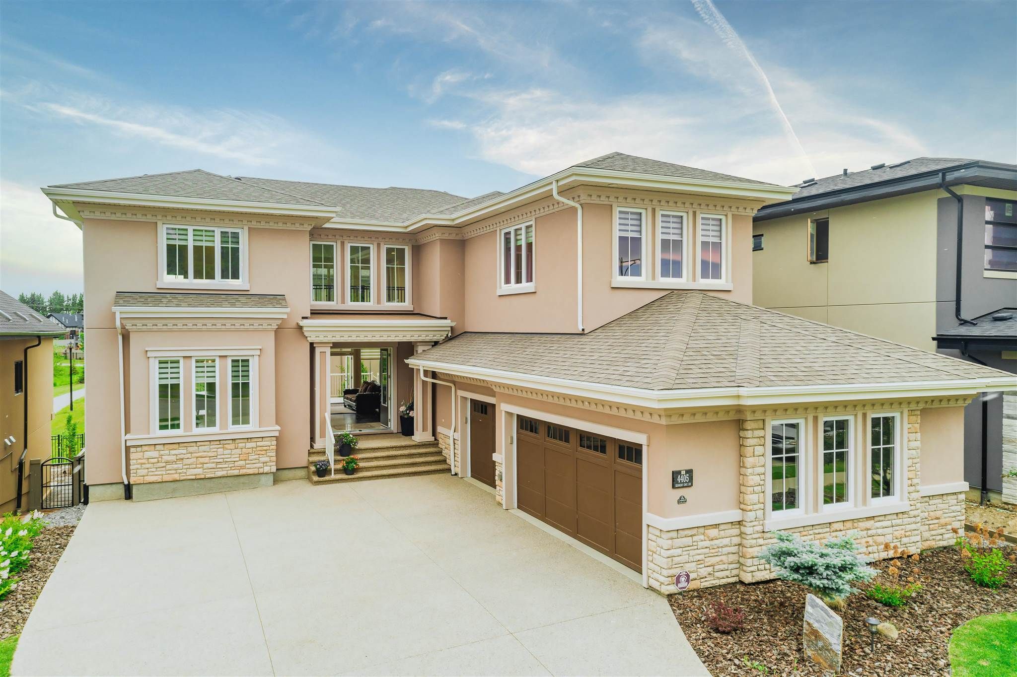 Main Photo: 4405 KENNEDY Cove in Edmonton: Zone 56 House for sale : MLS®# E4250252