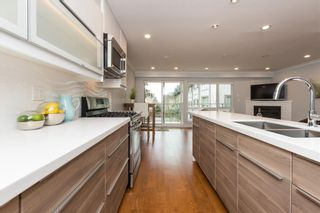 "Photo 4: 3 1466 EVERALL Street: White Rock Townhouse for sale in ""THE FIVE"" (South Surrey White Rock)  : MLS®# R2351081"