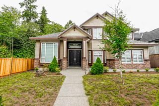 Photo 1: 6898 184 Street in Surrey: Cloverdale BC House for sale (Cloverdale)  : MLS®# R2376160