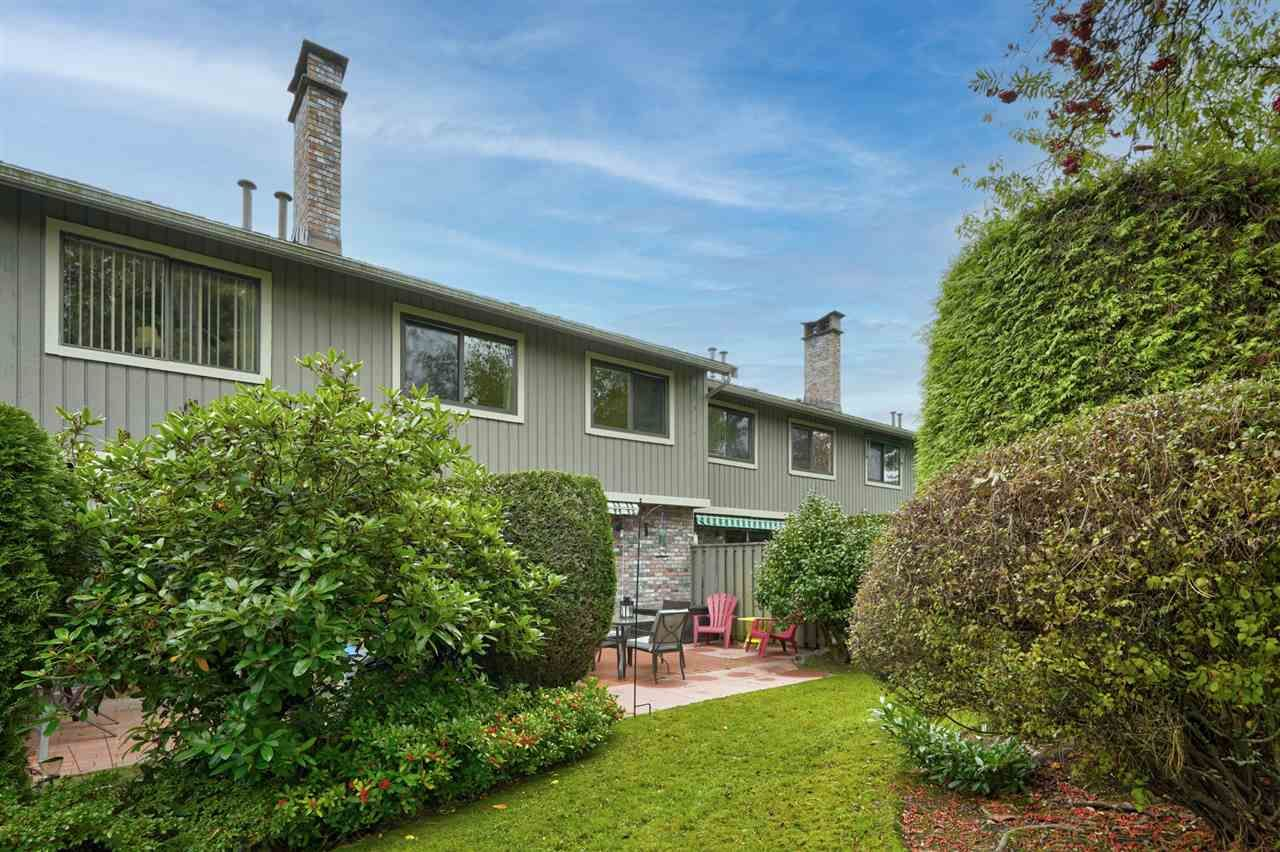 """Main Photo: 26 11771 KINGFISHER Drive in Richmond: Westwind Townhouse for sale in """"Somerset Mews/Westwind"""" : MLS®# R2512817"""