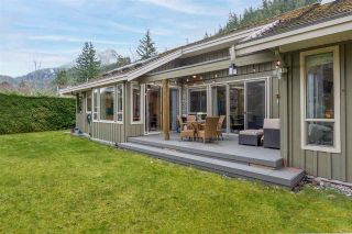 """Photo 5: 158 STONEGATE Drive: Furry Creek House for sale in """"Furry Creek"""" (West Vancouver)  : MLS®# R2549298"""