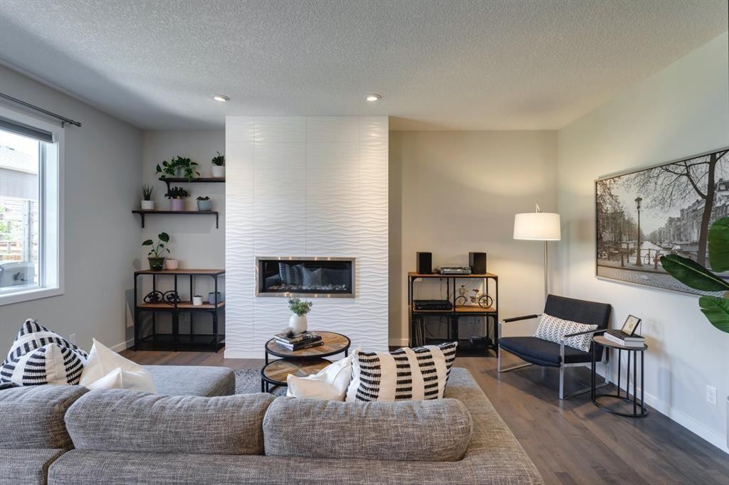 Photo 5: Photos: 445 Auburn Bay Drive SE in Calgary: Auburn Bay Detached for sale : MLS®# A1126030