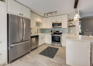 Photo 10: 121 Woodfield Close SW in Calgary: Woodbine Detached for sale : MLS®# A1126289