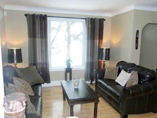 Photo 4: 23 St Louis Road in WINNIPEG: St Vital Residential for sale (South East Winnipeg)  : MLS®# 1201098