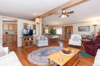 Photo 5: 5 1536 Middle Rd in View Royal: VR Glentana Manufactured Home for sale : MLS®# 775203