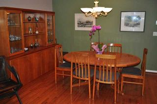 Photo 3: Lonsdale Townhouse