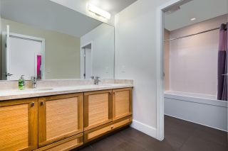 """Photo 16: 19 555 RAVEN WOODS Drive in North Vancouver: Dollarton Townhouse for sale in """"Signature Estates"""" : MLS®# R2271233"""