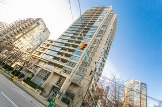 """Photo 1: 1403 1001 RICHARDS Street in Vancouver: Downtown VW Condo for sale in """"MIRO"""" (Vancouver West)  : MLS®# R2361718"""