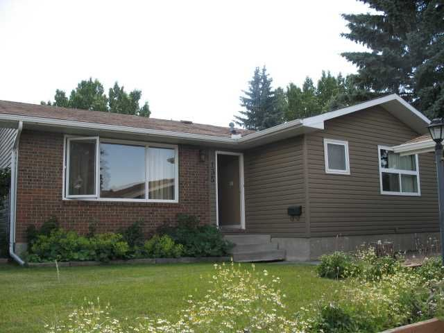 FEATURED LISTING: 135 LYNNOVER Place Southeast CALGARY