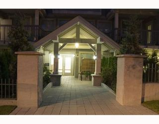 """Photo 9: 104 3895 SANDELL Street in Burnaby: Central Park BS Condo for sale in """"CLARKE HOUSE"""" (Burnaby South)  : MLS®# V737100"""