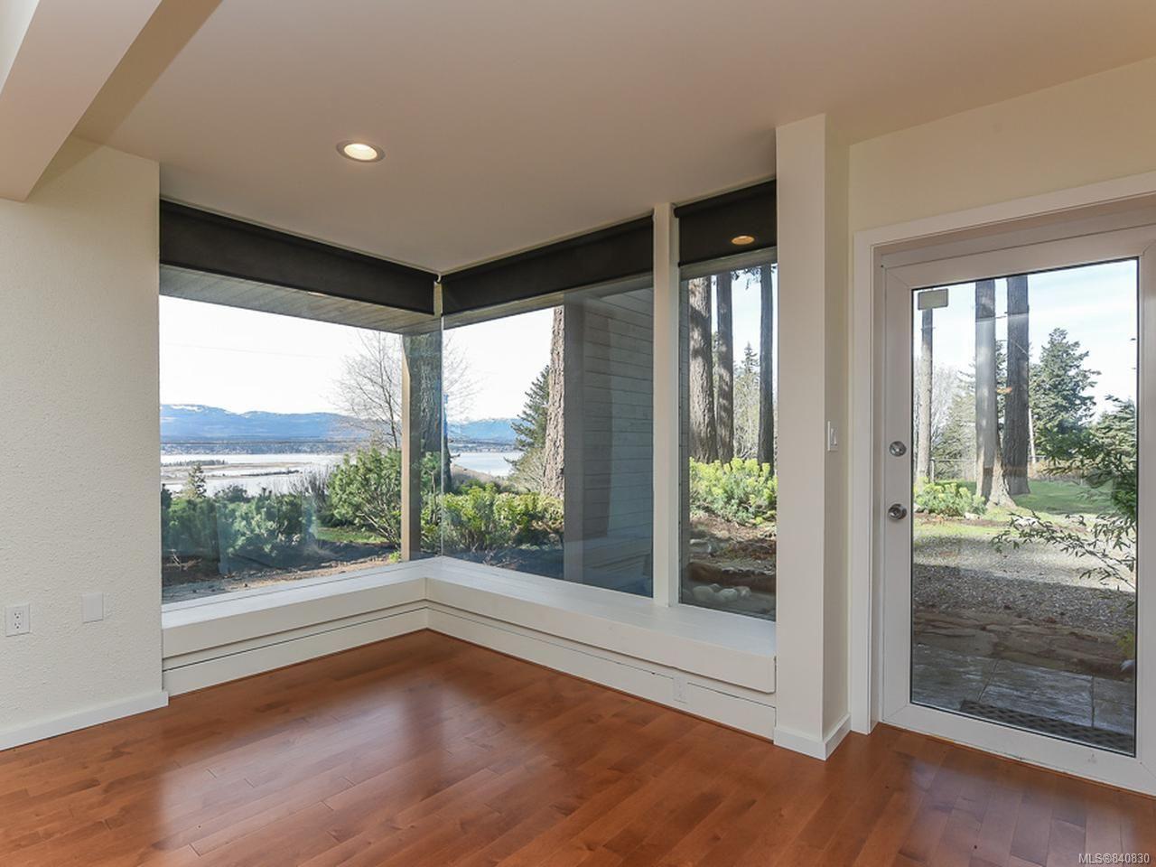 Photo 13: Photos: 1156 Moore Rd in COMOX: CV Comox Peninsula House for sale (Comox Valley)  : MLS®# 840830