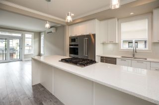 """Photo 5: 94 16488 64 Avenue in Surrey: Cloverdale BC Townhouse for sale in """"Harvest"""" (Cloverdale)  : MLS®# R2576907"""