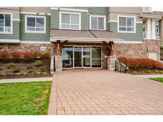 "Photo 4: 210 16398 64 Avenue in Surrey: Cloverdale BC Condo for sale in ""THE RIDGE AT BOSE FARM"" (Cloverdale)  : MLS®# R2560032"