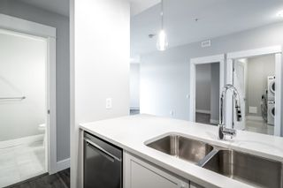 """Photo 5: 4620 2180 KELLY Avenue in Port Coquitlam: Central Pt Coquitlam Condo for sale in """"Montrose Square"""" : MLS®# R2613979"""