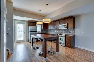 Photo 4: 740 73 Street SW in Calgary: West Springs Row/Townhouse for sale : MLS®# A1138504