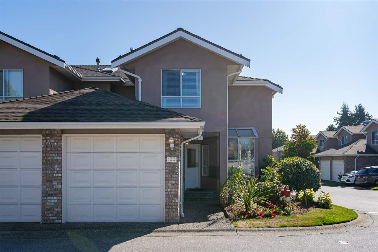 "Main Photo: 133 15550 26 Avenue in Surrey: King George Corridor Townhouse for sale in ""Sunnyside Gate"" (South Surrey White Rock)  : MLS®# R2400272"