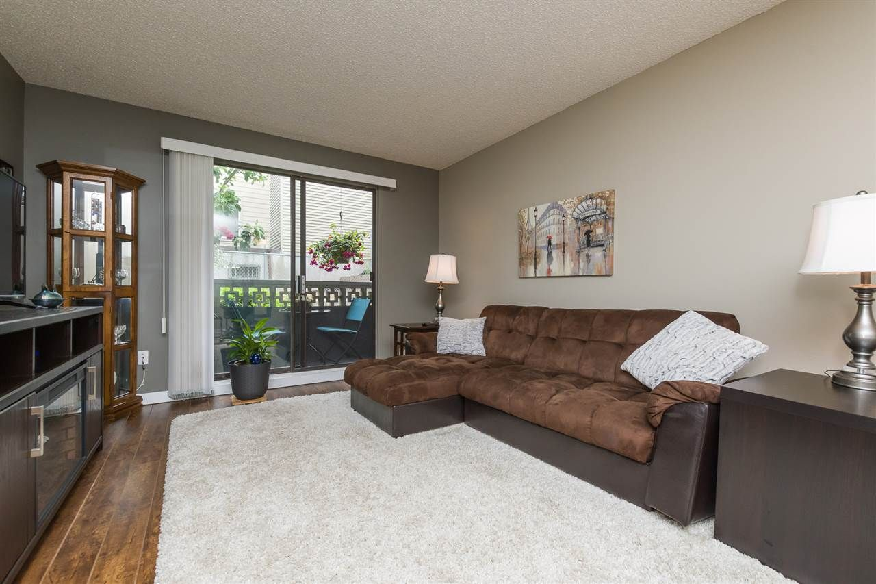 """Photo 3: Photos: 106 1442 BLACKWOOD Street: White Rock Condo for sale in """"BLACKWOOD MANOR"""" (South Surrey White Rock)  : MLS®# R2380049"""