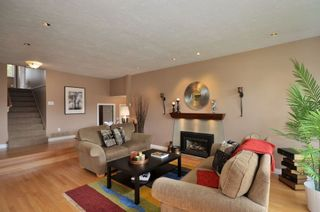 Photo 2: 4632 56th Street in Delta: Home for sale : MLS®# V936214