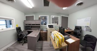 Photo 2: 1840 CO-OP LANE in Robson/Raspberry/Brilliant: Retail for sale : MLS®# 2458864