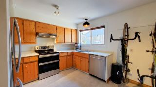 """Photo 3: 20 41450 GOVERNMENT Road in Squamish: Brackendale Townhouse for sale in """"Eagleview"""" : MLS®# R2565651"""