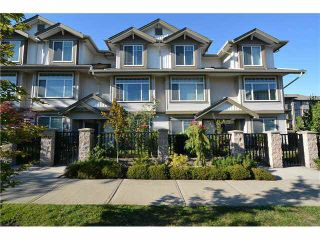 """Photo 2: 33 15933 86A Avenue in Surrey: Fleetwood Tynehead Townhouse for sale in """"Serenity Garden"""" : MLS®# R2160098"""