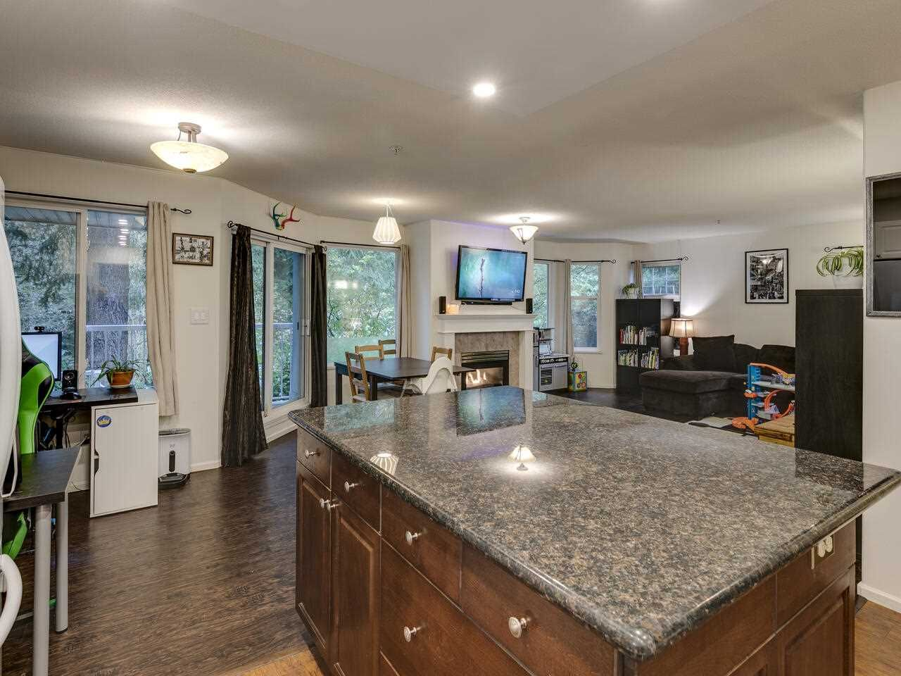 "Photo 15: Photos: 39 9036 208 Street in Langley: Walnut Grove Townhouse for sale in ""Hunter's Glen"" : MLS®# R2513931"