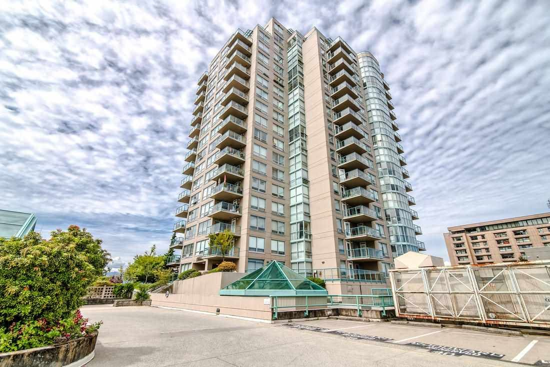Main Photo: 605 612 SIXTH Street in New Westminster: Uptown NW Condo for sale : MLS®# R2389235