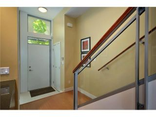 "Photo 2: 1241 SEYMOUR Street in Vancouver: Downtown VW Townhouse for sale in ""ELAN"" (Vancouver West)  : MLS®# V909862"