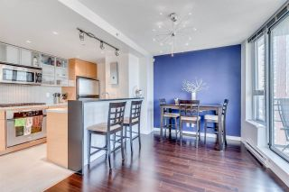 """Photo 5: 1705 33 SMITHE Street in Vancouver: Yaletown Condo for sale in """"COOPERS LOOKOUT"""" (Vancouver West)  : MLS®# R2129827"""