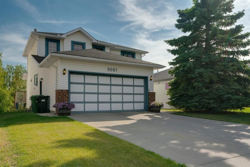 Main Photo: 9067 Scurfield Drive NW in Calgary: Scenic Acres Detached for sale : MLS®# A1032025