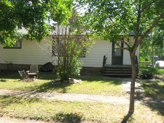 Photo 2: 109 Francis Street in Kyle: Residential for sale : MLS®# SK861075