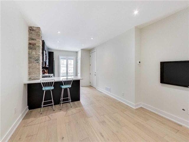 Photo 5: Photos: 601A Pape Avenue in Toronto: South Riverdale House (2 1/2 Storey) for lease (Toronto E01)  : MLS®# E4139003