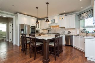 Photo 7: 21941 52 AVENUE in Langley: Murrayville House for sale : MLS®# R2210675