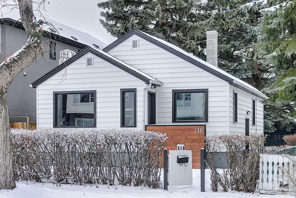 Main Photo: 218 19 Avenue NW in Calgary: Tuxedo Park Detached for sale : MLS®# A1073840