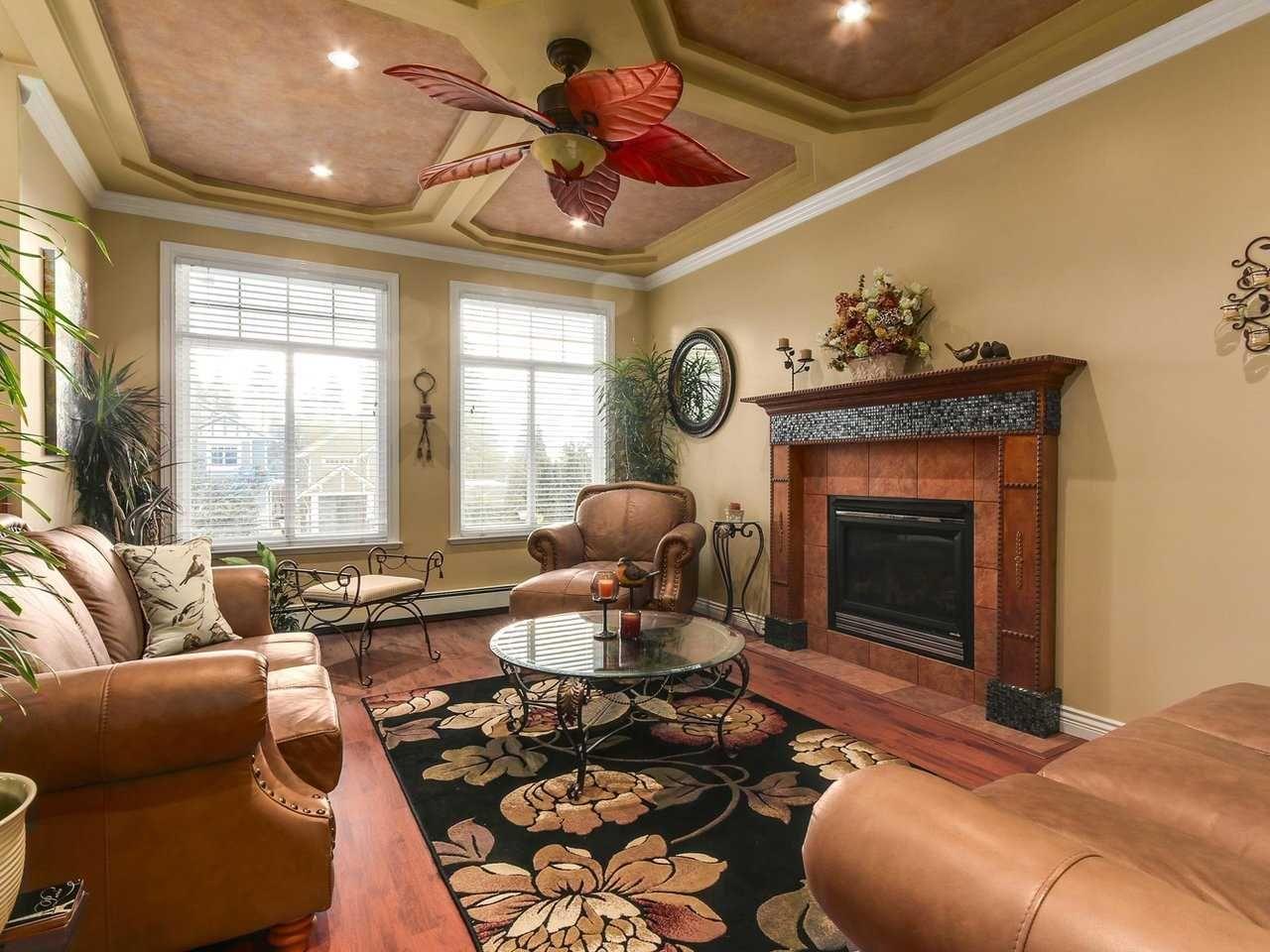 Photo 3: Photos: 725 REGAN Avenue in Coquitlam: Coquitlam West House for sale : MLS®# R2226266