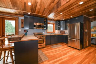 Photo 3: 2569 Dunsmuir Ave in : CV Cumberland House for sale (Comox Valley)  : MLS®# 866614