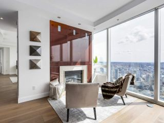 """Photo 11: 4703 938 NELSON Street in Vancouver: Downtown VW Condo for sale in """"One Wall Centre"""" (Vancouver West)  : MLS®# R2155390"""