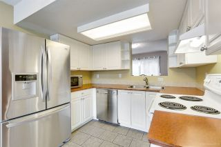 """Photo 8: 558 CARLSEN Place in Port Moody: North Shore Pt Moody Townhouse for sale in """"Eagle Point complex"""" : MLS®# R2388336"""