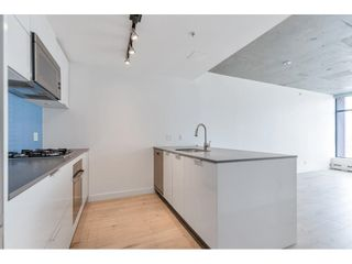 """Photo 4: 1704 128 W CORDOVA Street in Vancouver: Downtown VW Condo for sale in """"WOODWARDS"""" (Vancouver West)  : MLS®# R2592545"""