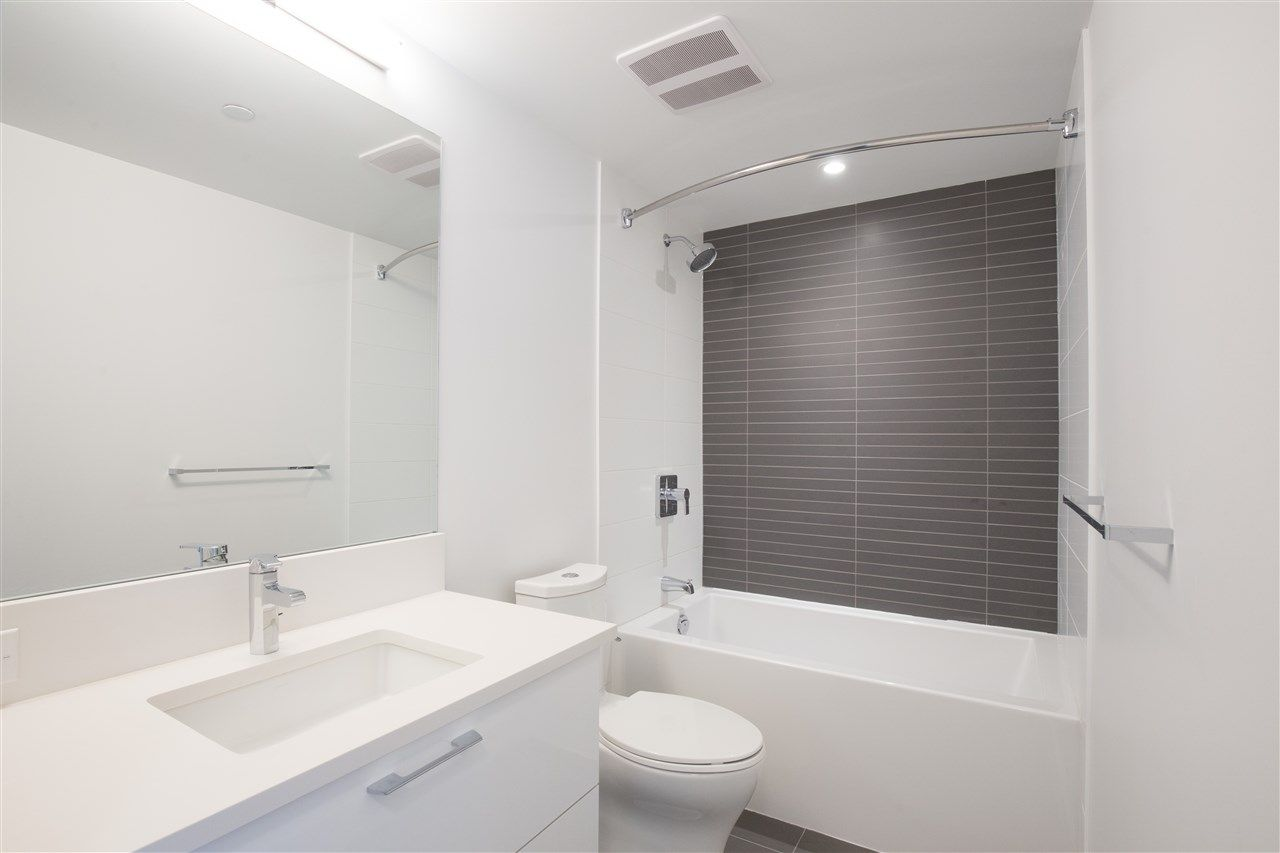 """Photo 14: Photos: 302 8538 RIVER DISTRICT Crossing in Vancouver: South Marine Condo for sale in """"ONE TOWN CENTRE"""" (Vancouver East)  : MLS®# R2430166"""