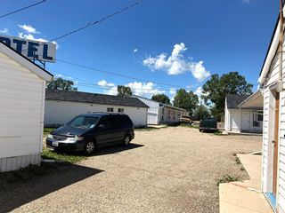 Photo 3: : Innisfail Hotel/Motel for sale : MLS®# C4272569