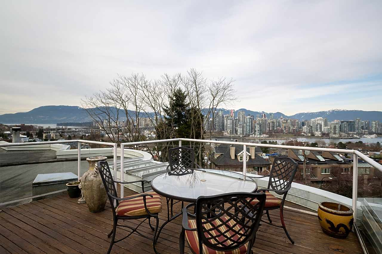 """Main Photo: 409 1236 W 8TH Avenue in Vancouver: Fairview VW Condo for sale in """"GALLERIA II"""" (Vancouver West)  : MLS®# R2554793"""