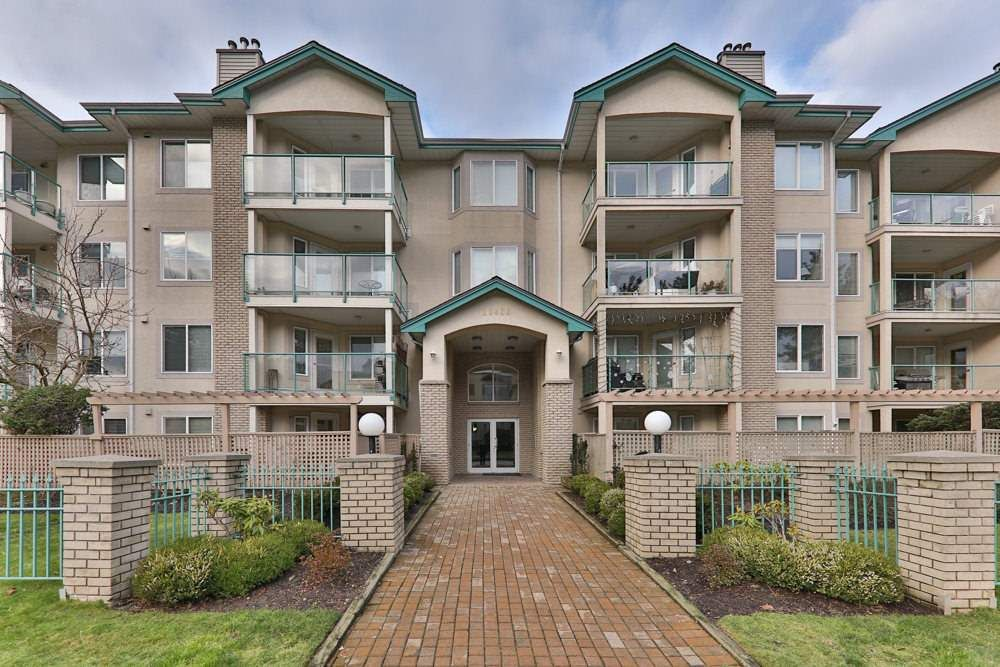 "Main Photo: 308 20433 53 Avenue in Langley: Langley City Condo for sale in ""Countryside Estates"" : MLS®# R2231376"