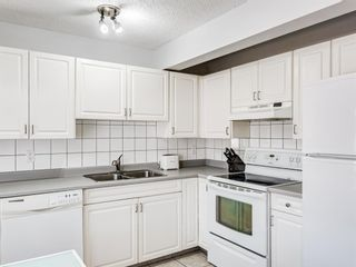 Photo 12: 45 Patina Park SW in Calgary: Patterson Row/Townhouse for sale : MLS®# A1085430